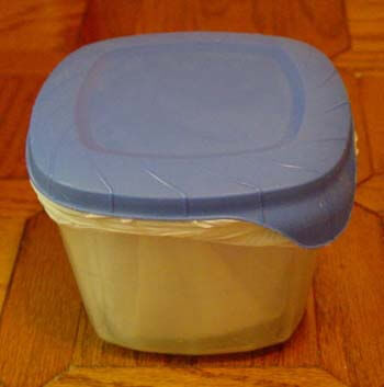 Sturdy scoop and plastic waste container